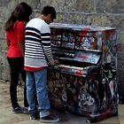 Play Me, I'm Yours ! by artisandelimage