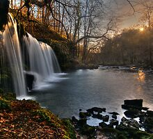 Glyneath Waterfall by Guy  Berresford