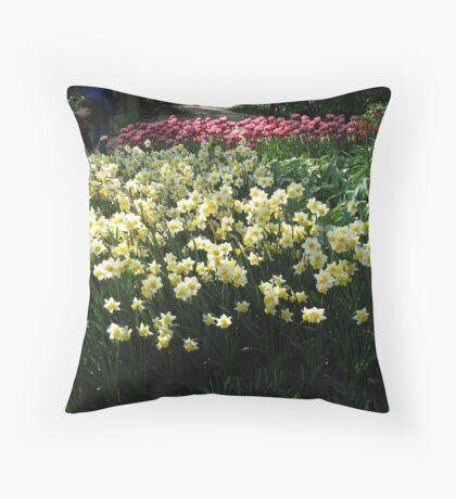 Keukenhof Daffodils Throw Pillow