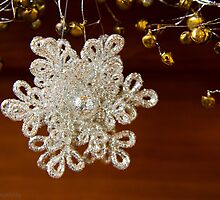 Glittery snowflake by KSKphotography