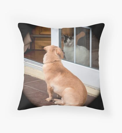 The stand off... Throw Pillow