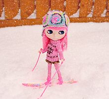 Lola tries her hand at skiing by Zoe Power