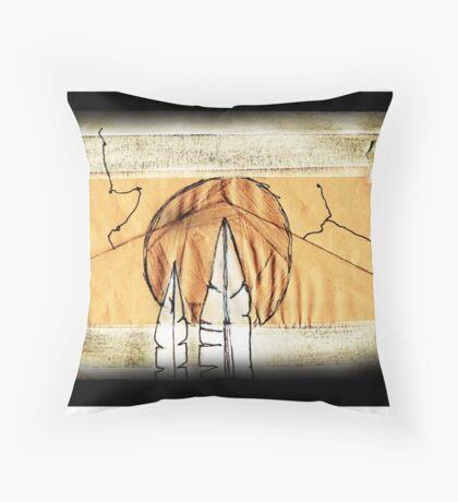 bird mountain #02 Throw Pillow