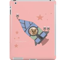 WHO LOVES TO FLY? WHO?? WHO??? iPad Case/Skin
