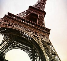 Eiffel Tower by electricave