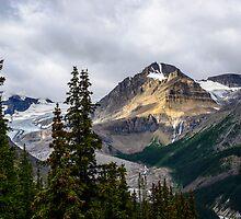 Cauldron Peak from Bear lake by Chris  Randall