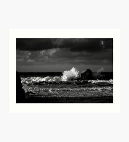 Crashing Waves at Trevone Bay in Black and White Art Print
