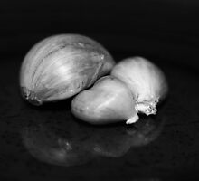 Garlic by aprilann
