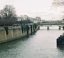 river seine  by Tess Smith-Roberts