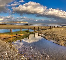 Welcome Beach  Shanklin by manateevoyager