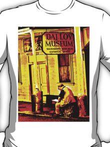 DAI LOY Museum - Street Artist T-Shirt