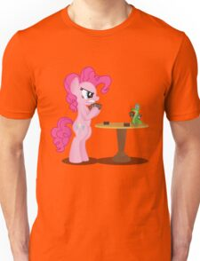 Pinkie Pie and Gummy Play Magic Shirt (My Little Pony: Friendship is Magic) Unisex T-Shirt
