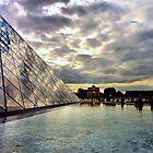 Pyramide du Louvre by Rosalee Lustig