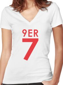 """""""9ER 7"""" - A tribute to QB #7 Colin Kaepernick of the San Francisco 49ers Women's Fitted V-Neck T-Shirt"""