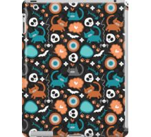 Funny Halloween pattern with kittens iPad Case/Skin