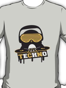 Techno Penguin DJ T-Shirt