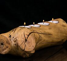 Candles and wood holder by TOM KLAUSZ