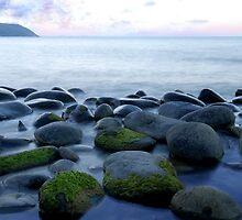 The stoney Beach  by Imi Koetz