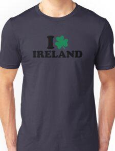 I love Ireland shamrock Unisex T-Shirt