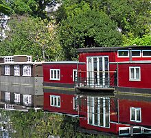 On Regent Canal by Lesliebc