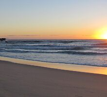 Sunrise over Bluey's Beach  by GeorgeOne