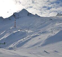 Kitzsteinhorn Glacier by daviehayes
