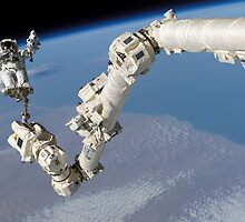 Steve Robinson on Canadarm 2 by cadellin