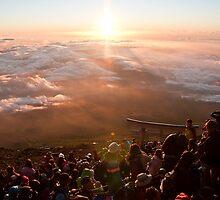 Peak of Mt. Fuji-san by rtpro