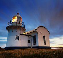 Tacking Point Lighthouse - Dusk by Jai Honeybrook