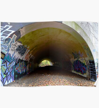 Graffiti in a tunnel - Poster