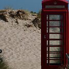 Phone Box sur la mer by jonvin