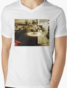 Turntables Mens V-Neck T-Shirt
