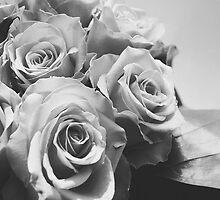 Roses black & white by SassySnark