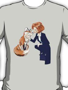 trust of a fox - x files T-Shirt