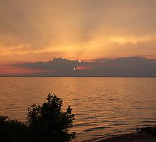 Lake Winnebago sunset. by Terese Raedts