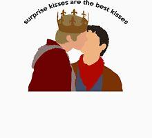 Merlin & Arthur - Surprise kisses Unisex T-Shirt