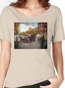 Car - Accident - Late for tee time 1932 Women's Relaxed Fit T-Shirt