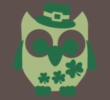 Cute irish shamrock owl Baby Tee