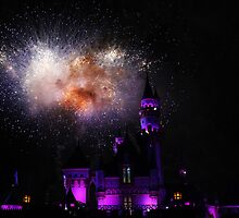 Disneyland Fireworks by jennisney