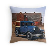 1932 Ford 'Farmers Truck' Throw Pillow