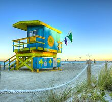 Irish Clover Lifeguard House Miami Beach by lattapictures