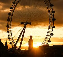Framing the Sunset in London - the London Eye and Big Ben  by Georgia Mizuleva