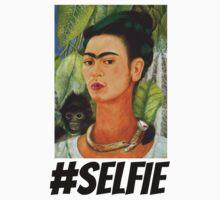 Frida #SELFIE T-Shirt