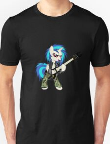 Vinyl Scratch love Heavy Metal !!  T-Shirt