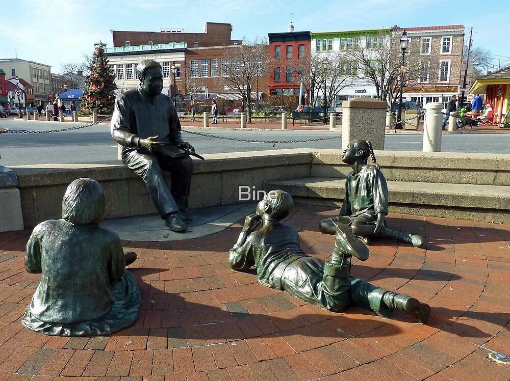Kunta Kinte/Alex Haley Foundation - Sculpture Group - Annapolis, MD by Bine
