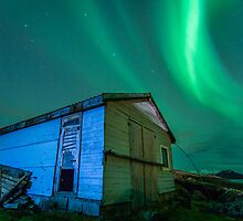 Room With a View - Northern Lights by Kellie Netherwood