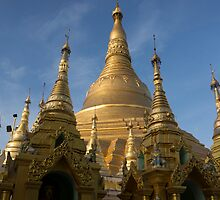 shwedagan pagoda by Anne Scantlebury