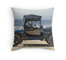 1915 Ford Model T Roadster - Profile Throw Pillow