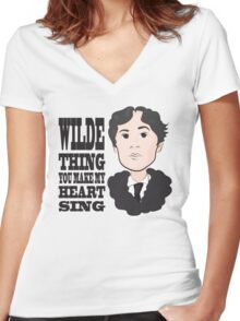 Wilde Thing Women's Fitted V-Neck T-Shirt