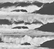 Crashing Waves by e1isabeth